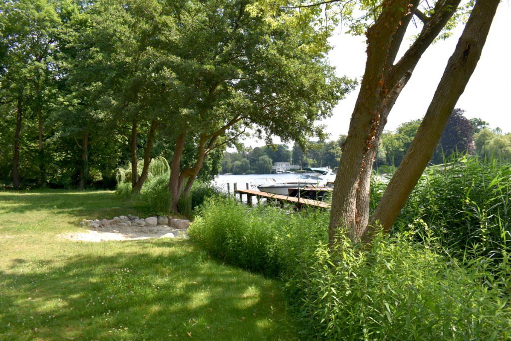 Gemeinschaftsgarten mit Bootssteg