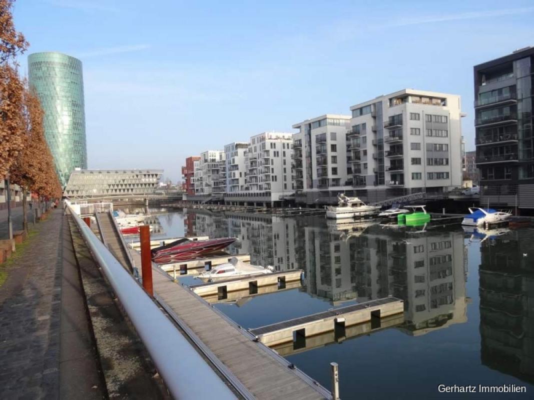 Blick Westhafen