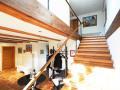Treppe vom Erd- ins Obergeschoss