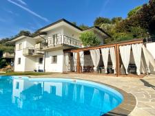 Villa mit Seeblick und Pool in Padenghe sul Garda - Gardasee