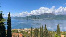 Offmarket: Charmante Villa mit Panoramablick in Torri del Benaco  - Gardasee