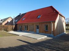 1 Doppelhaushälfte Rückseite mit Terrasse
