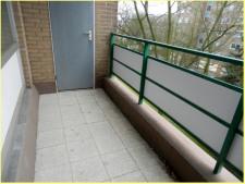 Balkon mit Abstellkammer
