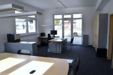 Theisinger Immobilien, modernes Büro in Kösching