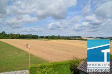 'Theisinger Immobilien, Baugrundstück mit freier Sicht in Pförring