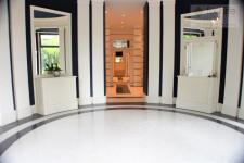 Eingang-Concierge