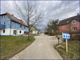 Weg durch die Häuser
