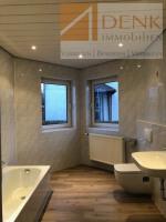 schönes modernisiertes Bad