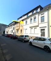 Haus-/Straßenansicht