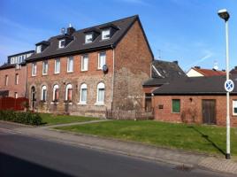 Haus mit Schuppen
