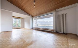Heller Wohn- und Essbereich