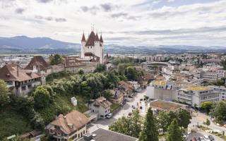 Beste Lage unterhalb vom Schloss Thun und Schlossbergparking, Coop Tankstelle und Spital Thun