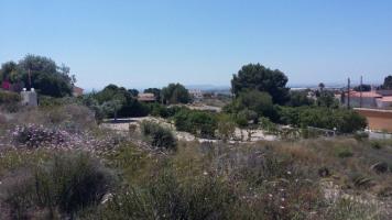Schönes Grundstück bei Alicante mit Fernsicht