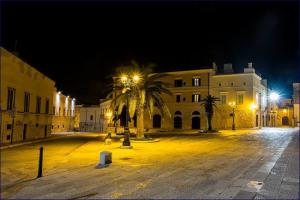 affaccio su piazza Sacra Regia.png