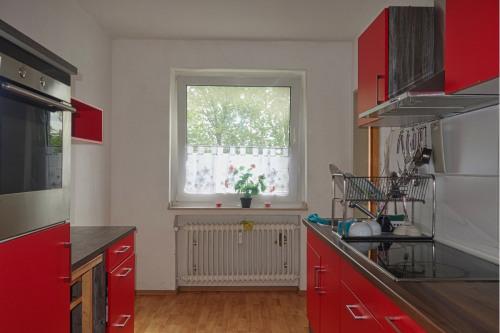 Große, helle Küche