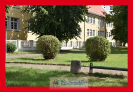 Umgebung Schule u. Kinderspielplatz