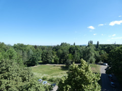 Blick vom Nord-Ost-Balkon zum Dietenbachpark