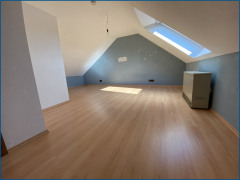 Zimmer im Spitzboden