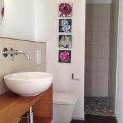 Gäste-WC/Dusche EG