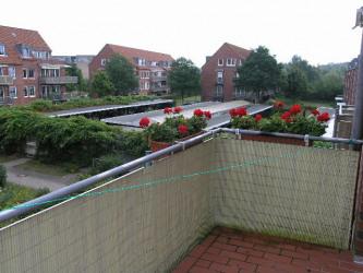 2326-Balkon groß Blickrichtung Parkdeck