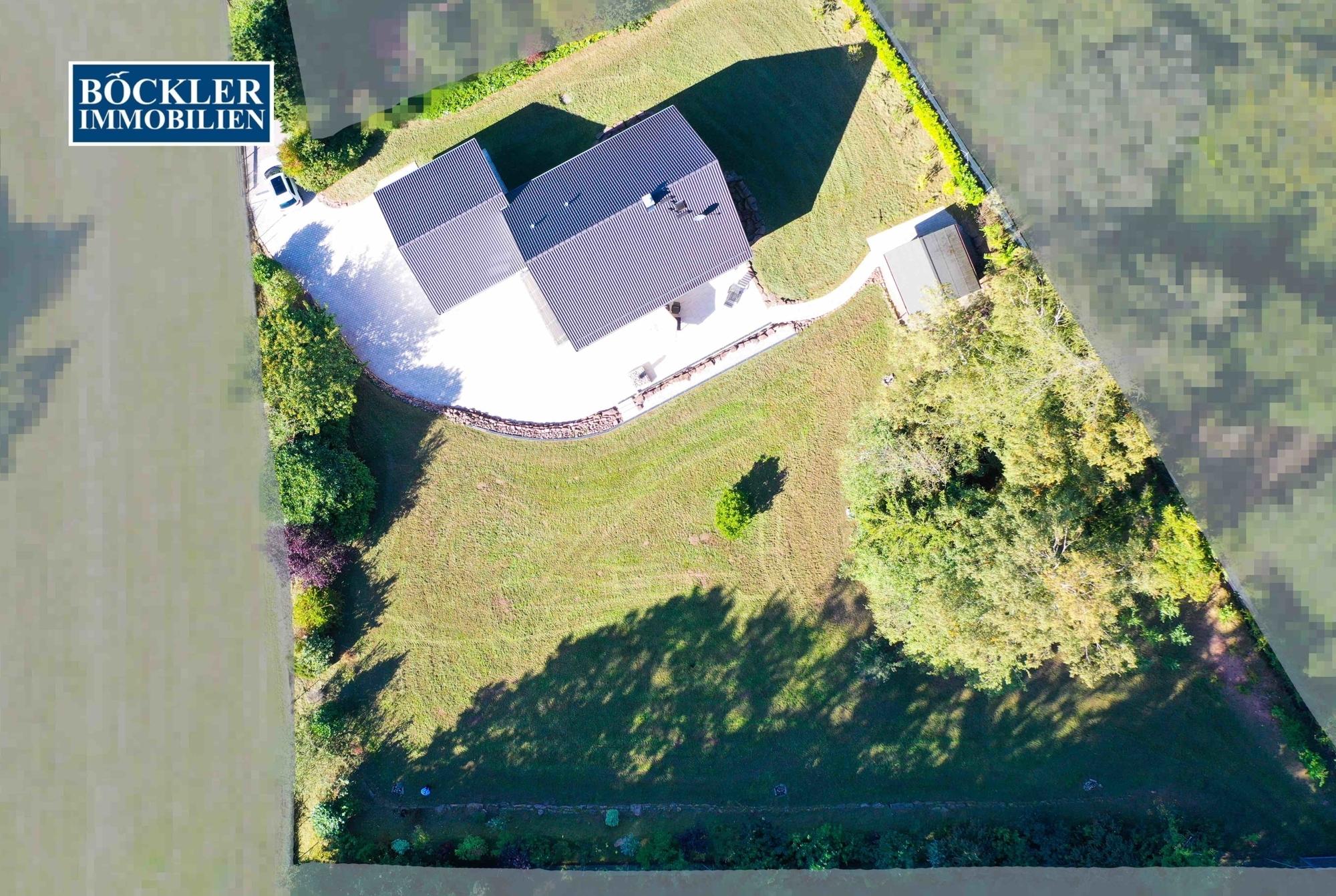 Luftaufnahme des Grundstücks