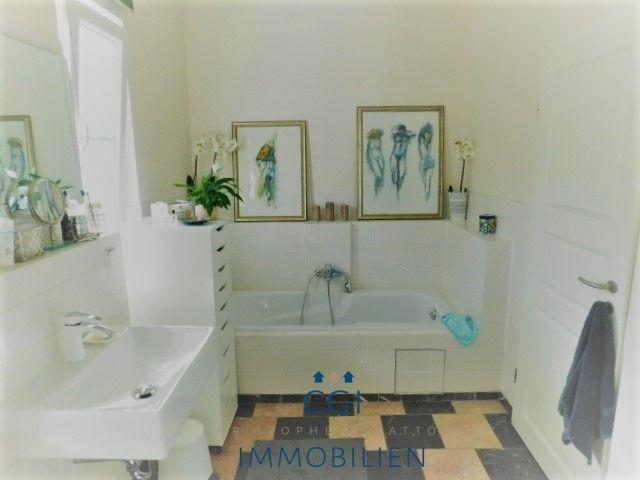 Wanne im Badezimmer