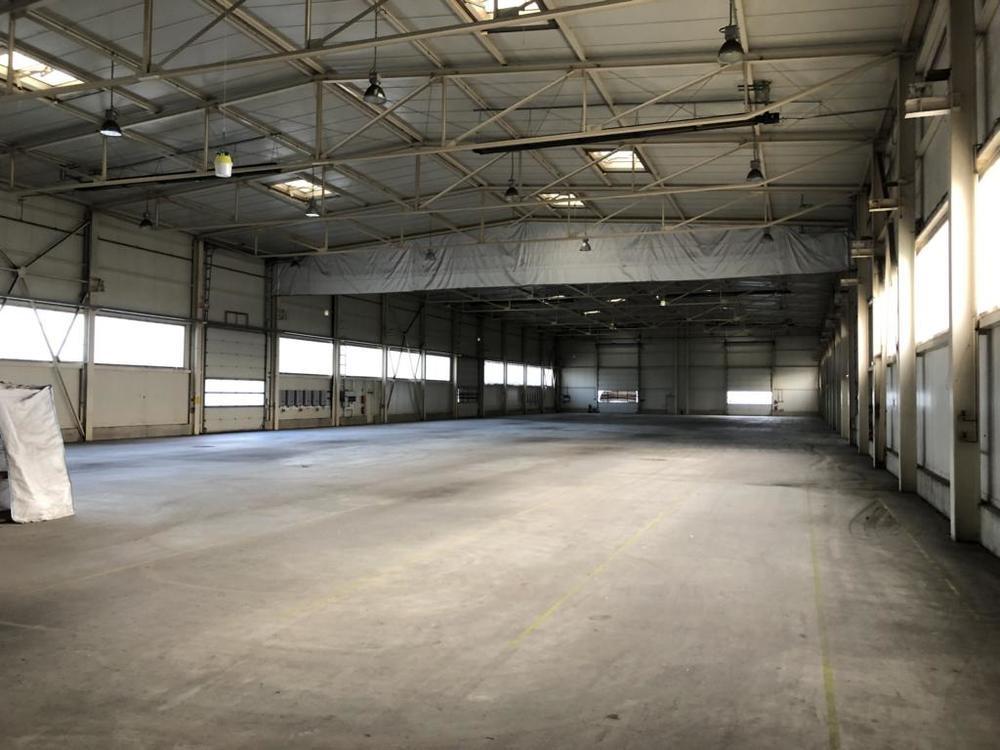 (5) Innenansicht Halle, unterteilbar