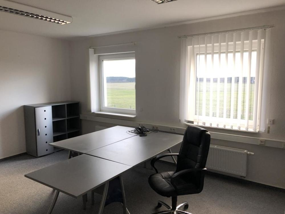 (10) Büro