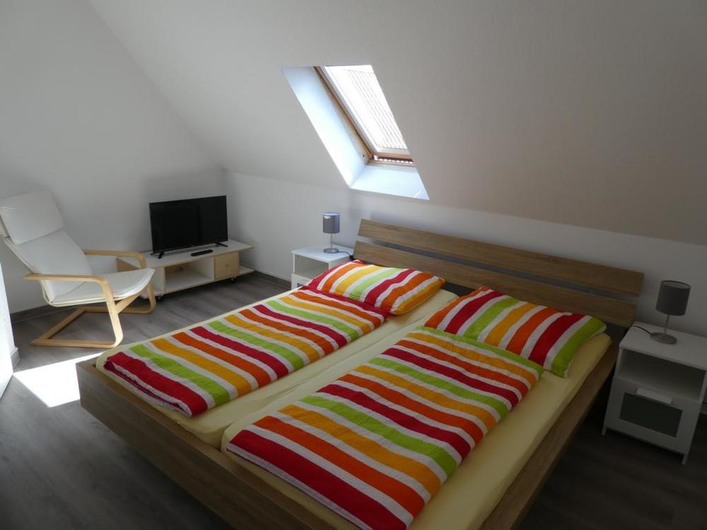 11 Schlafzimmer DG