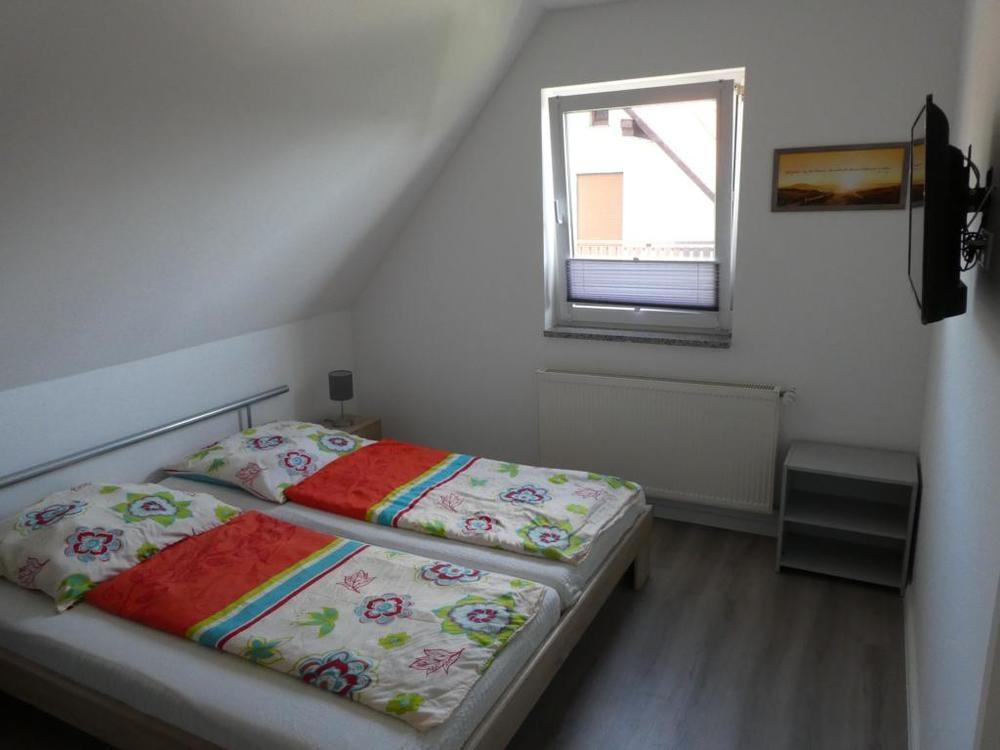 12 Schlafzimmer DG