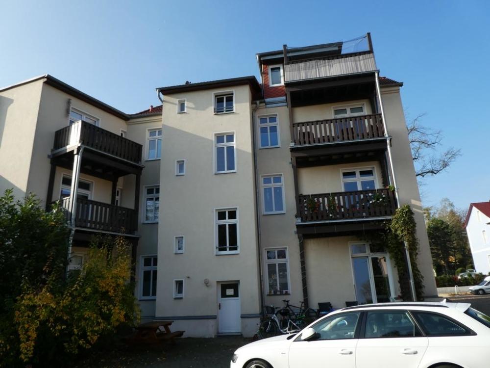 3 Rückansicht mit Balkonen