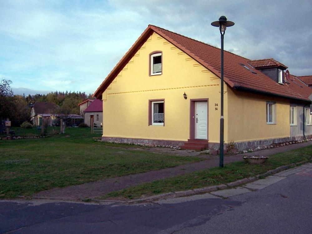 3 Reihenhaus von Anliegerstraße aus