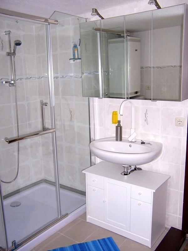 10 Badezimmer mit Dusche Fewo