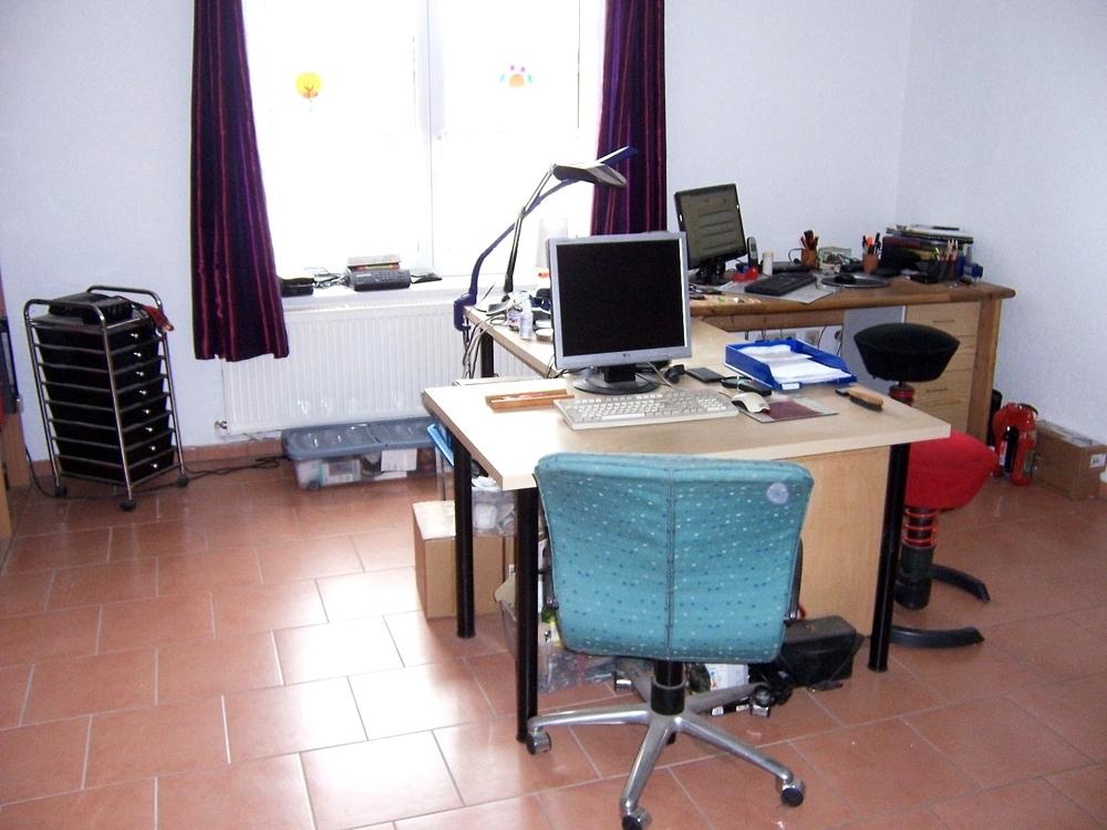 15 Wohnzimmer EG, jetzt als Büro genutzt