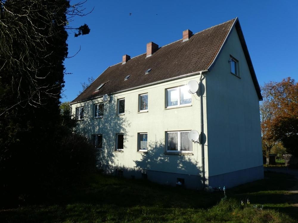 2 Mehrfamilienhaus Rückseite