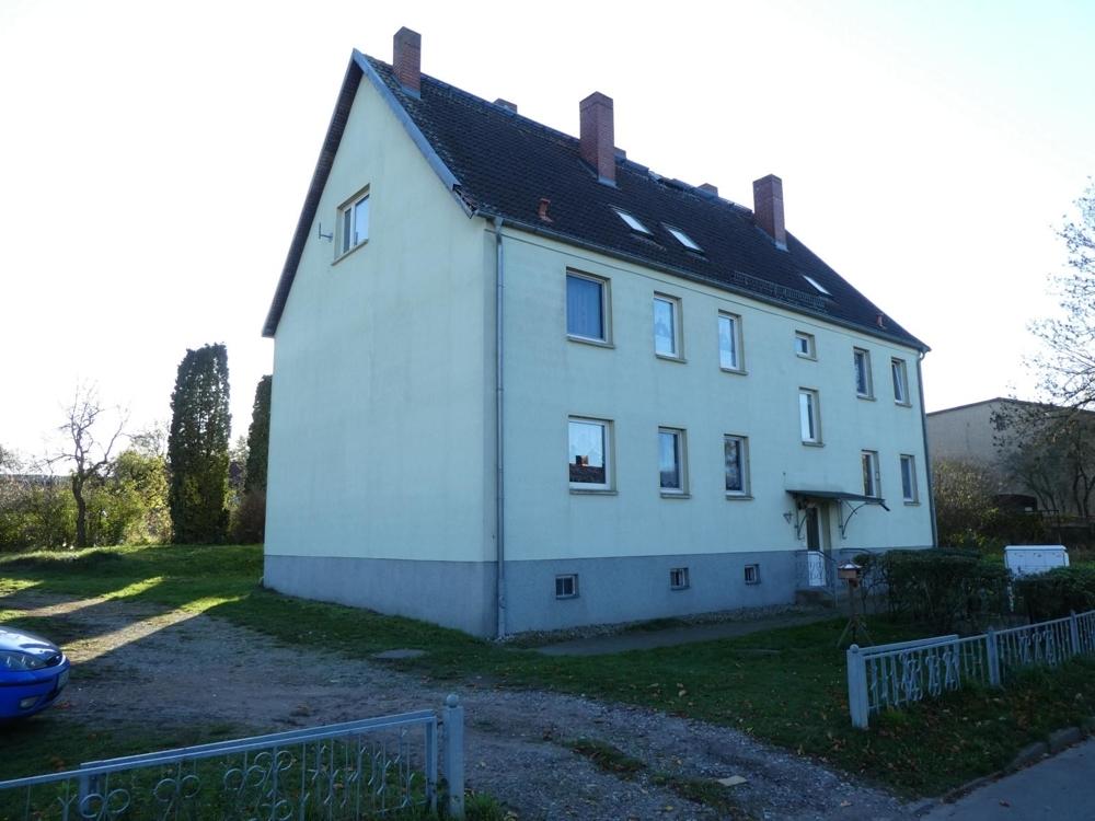 4 Mehrfamilienhaus mit Auffahrt