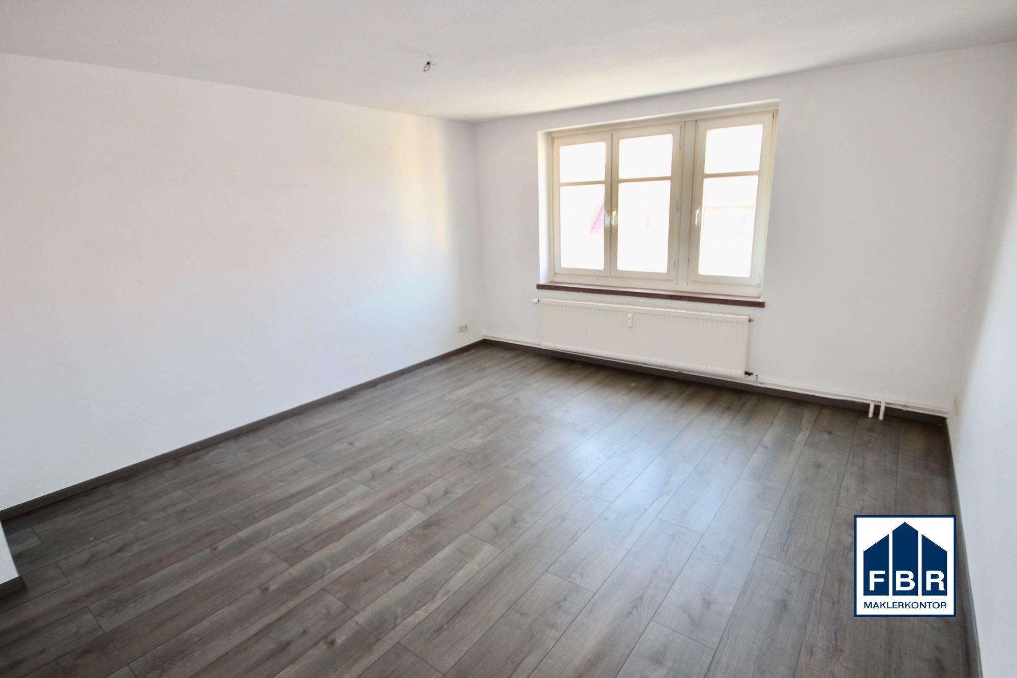 Zimmer mit Laminat