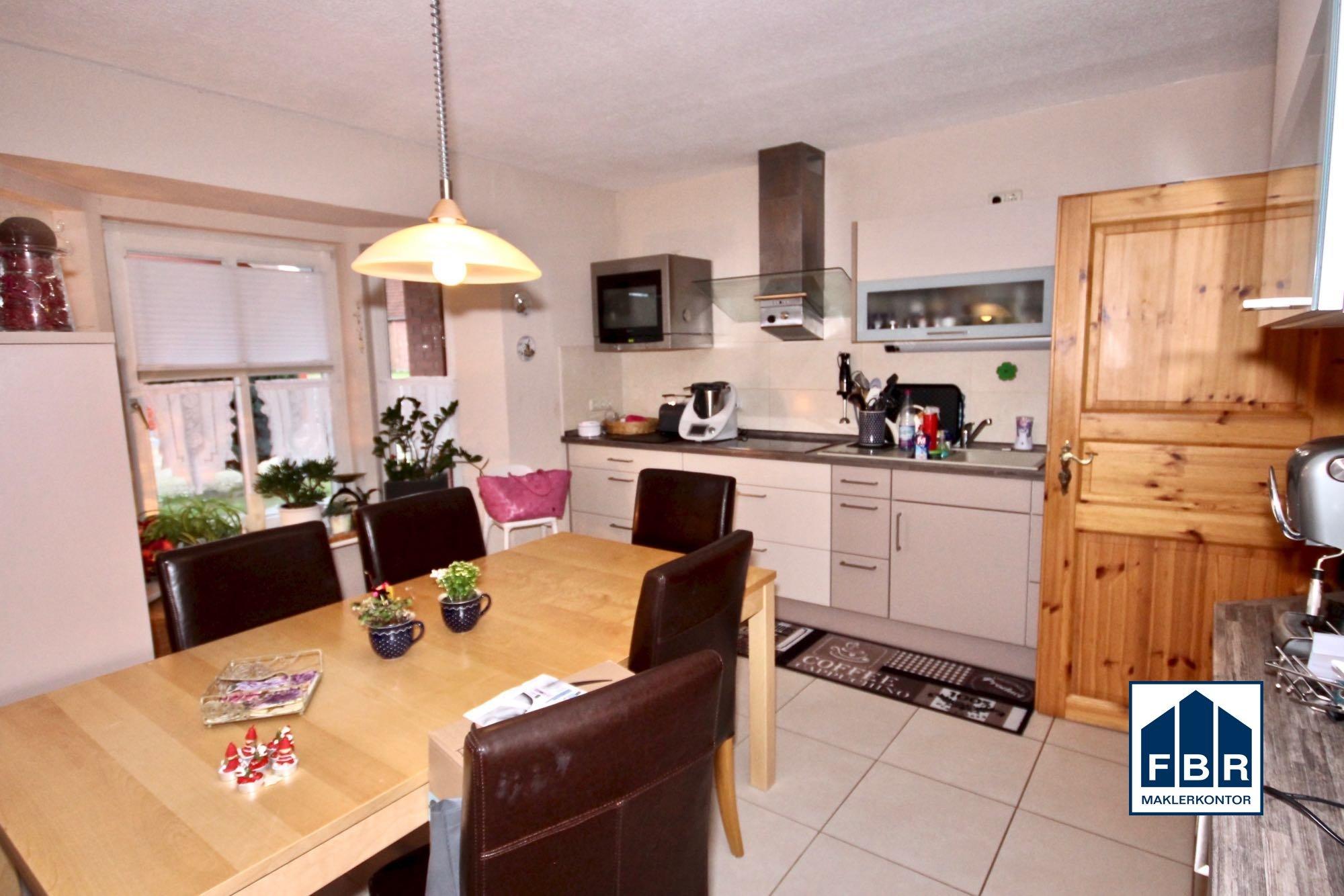 Küche mit Erker im Erdgeschoss