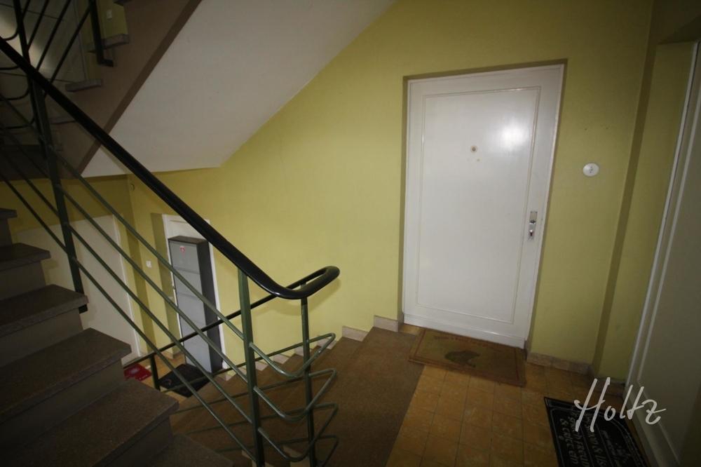 Treppenhaus -Wohnungstür