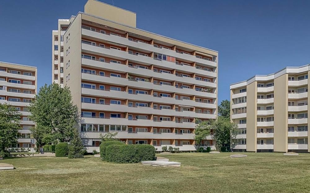 Blick auf Hauptgebäude (Copy)