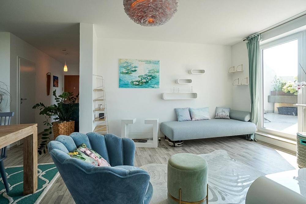 Wohnzimmer mit Blick auf Flur