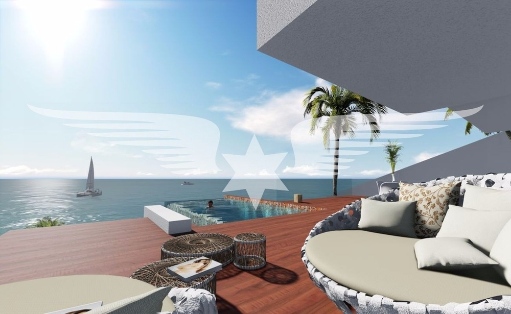 Terrasse mit Infinity-Pool