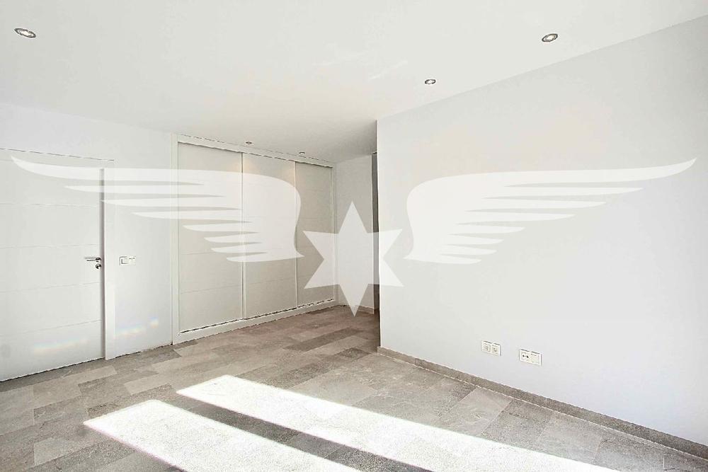 Master-Bedroom (2)