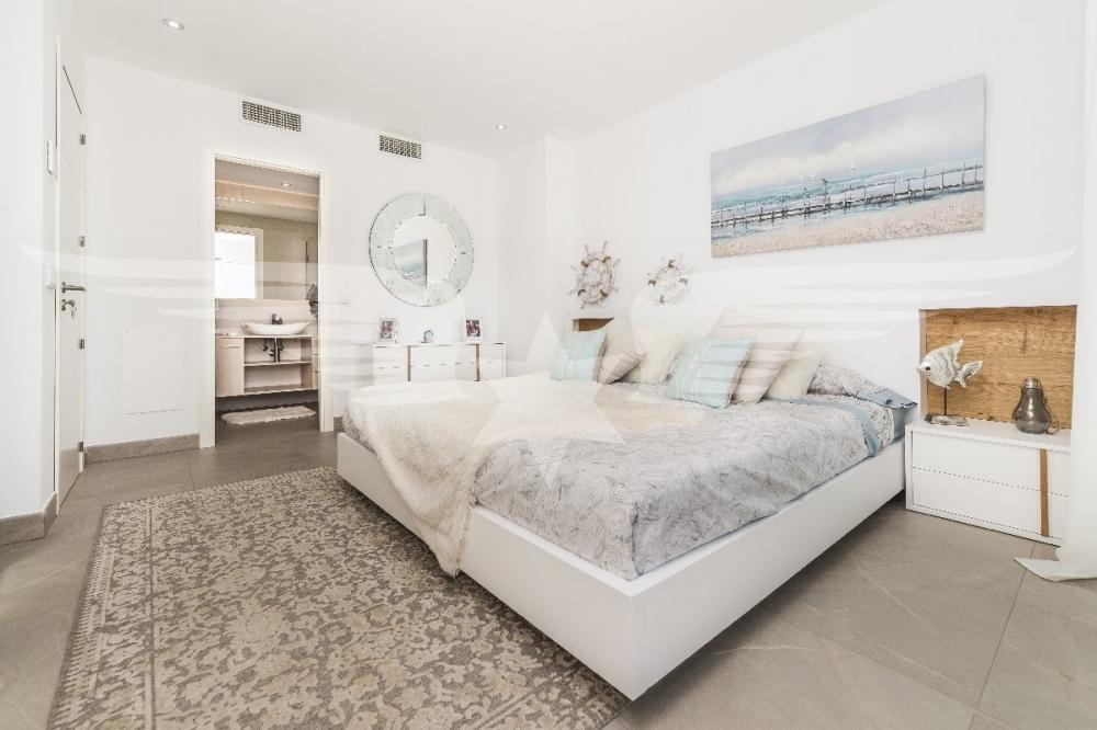 Master-Bedroom mit Bad en Suite