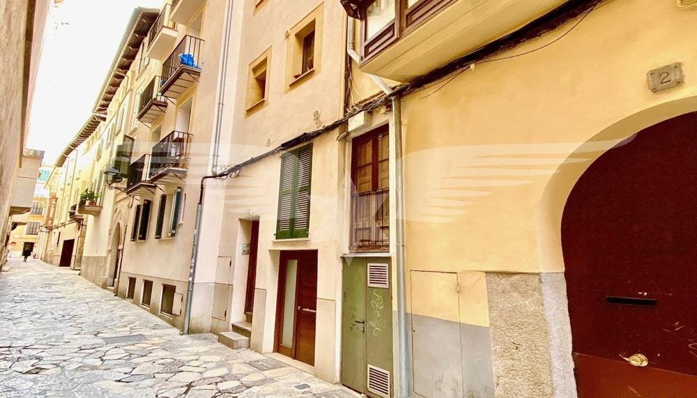 Straßenansicht Gebäude