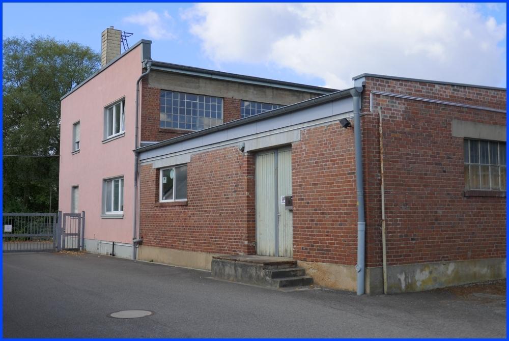 Hauptgebäude mit angebauter Halle 3 - 01