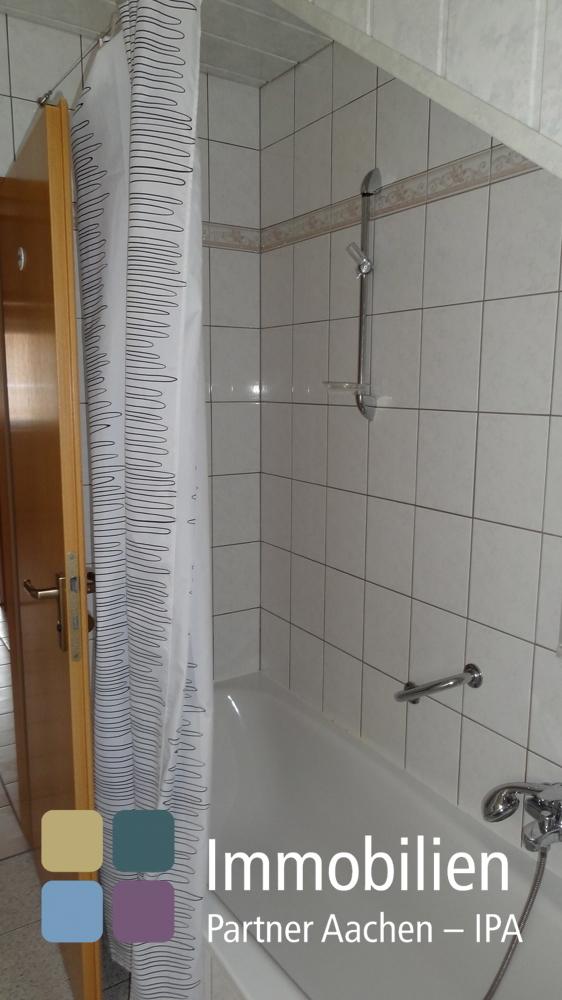Bad mit Waschmaschinenanschluß in der ELW