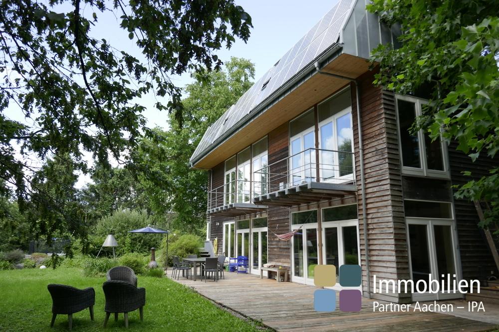 Haus und Garten mit Terrasse - 02
