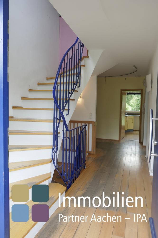 EG-Eingangsbereich mit Geschoßtreppen-01_1180234