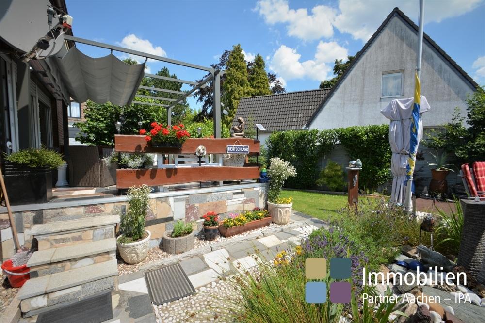 Zugang von der Terrasse zum Garten